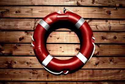 lifesaver-933560_960_720