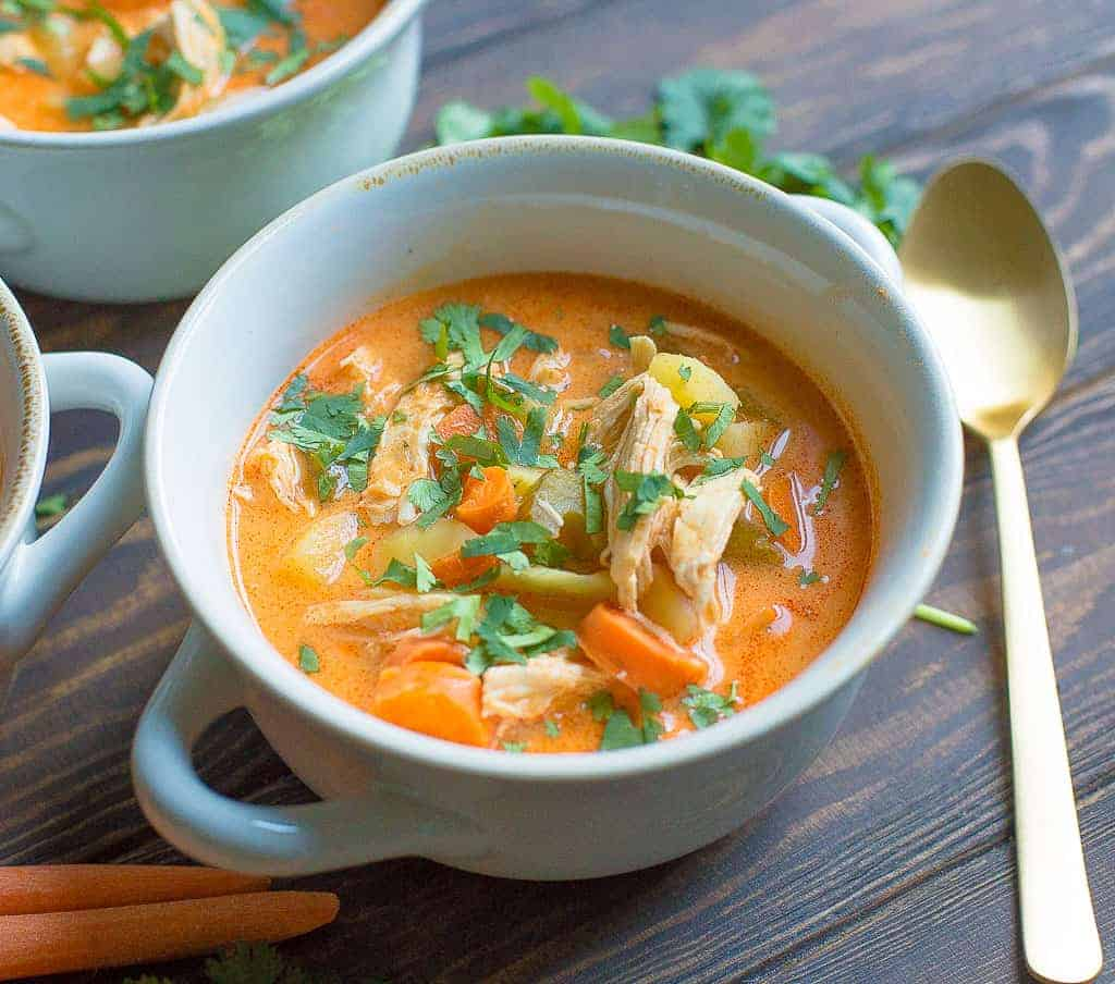 10 easy recipes for the instant pot. Instant Pot Dump recipes. Great fast and easy weeknight meals #RecipesEasy