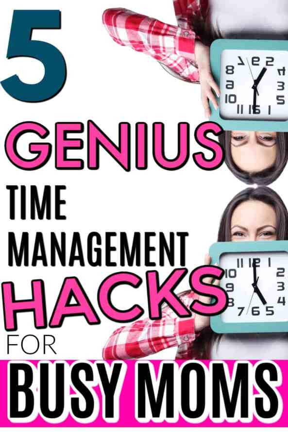 How to organize your day and get more done. Stop wasting time and actually be productive as a mom of little kids. Get more done in an easy, simple way. Learn the top secrets, the best tips, tricks, and hacks to time management and save time. 5 Best Time Management Hacks for Busy Moms. #timemanagement #productivity #mom