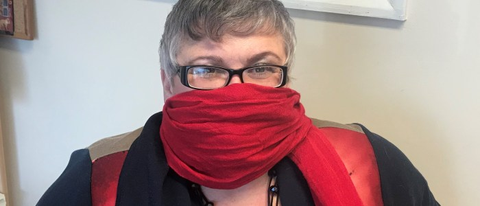 MP Backs Health Campaign to Save Lives With Scarves
