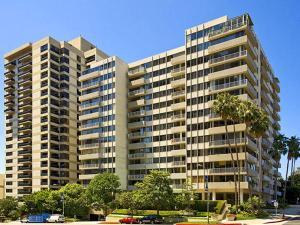 Wilshire Holmby Condominiums Los Angeles