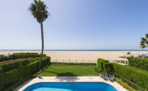 Renting a beach house in Los Angeles