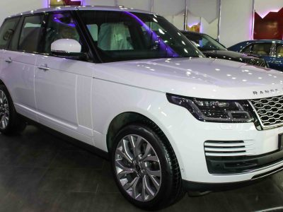 RANGE ROVER VOGUE SE SUPERCHARGED  WHITE INSIDE RED  0KM  (NEW)  2018  AED720,000