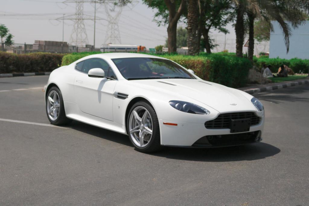 Used Aston Martin Vantage S For Sale In Dubai Carooza - Used aston martin for sale