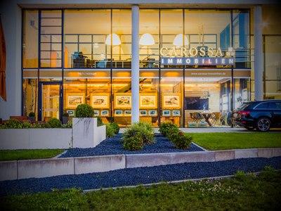 Außenansicht des Büros von Carossa Immobilien