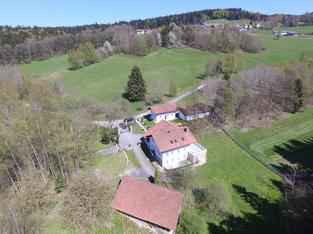 Luftaufnahme idyllisches Wohnhaus