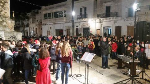 Carovigno Piazza Nzegna Natale (2)