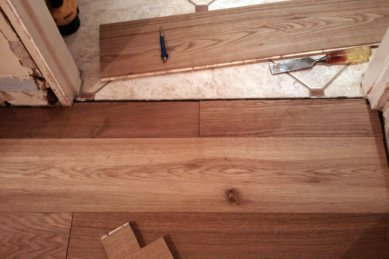 How To Lay Laminate In A Doorway For