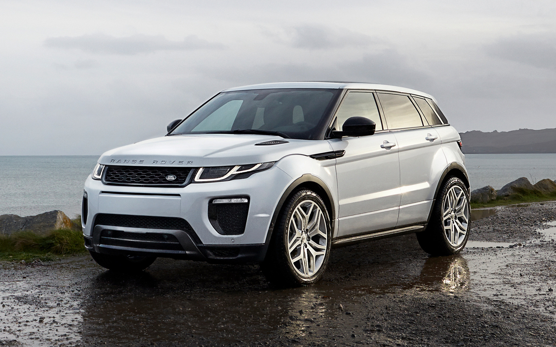 Range Rover Evoque HSE Dynamic 2015 Wallpapers and HD