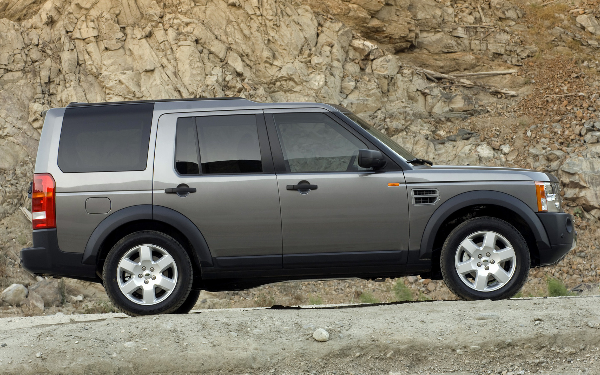 Land Rover LR3 HSE 2004 US Wallpapers and HD Car Pixel