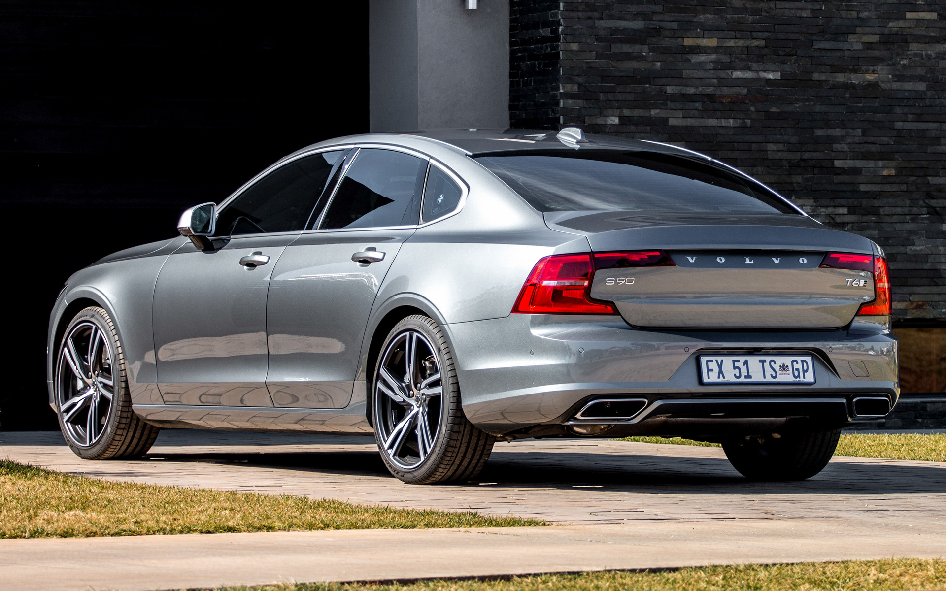 2017 Volvo S90 R Design ZA Wallpapers And HD Images