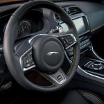 Apple CarPlay Coming to 2019 Jaguar and Land Rover Models