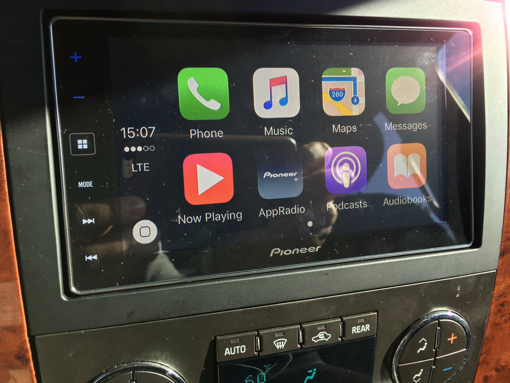 carplay installs pioneer sph da120 in a chevrolet tahoe. Black Bedroom Furniture Sets. Home Design Ideas
