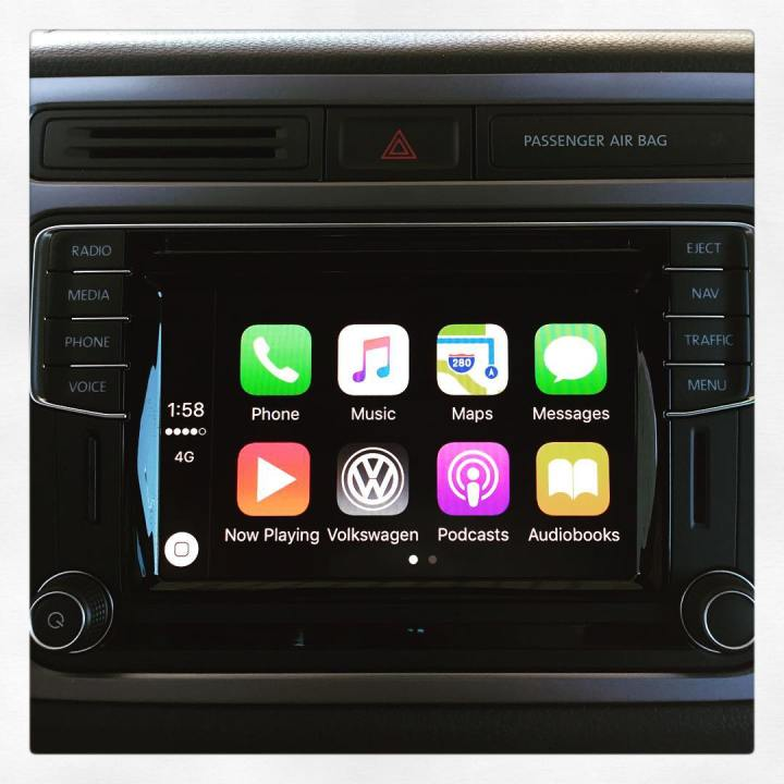 FACTORY VW Tiguan CarPlay