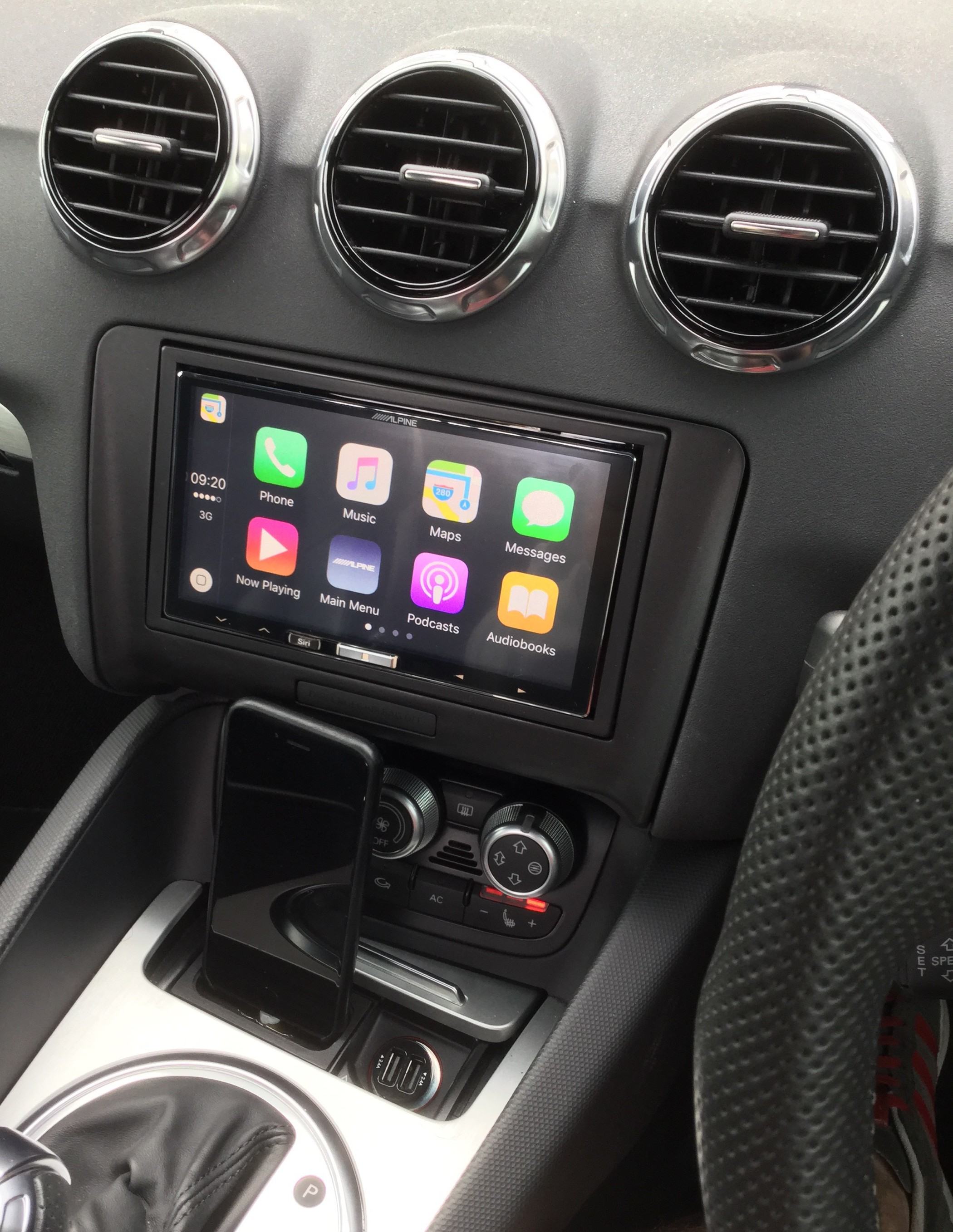 CarPlay Installs Alpine ILX In A Audi TT Black Edition - Audi car play