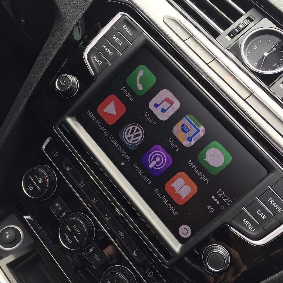 VW Passat CarPlay