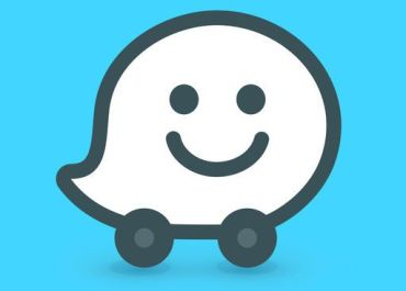 CarPlay App: Waze Navigation & Live Traffic