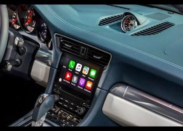 Apple CarPlay Demo In A 2017 Porsche 911 Carrera (Video)
