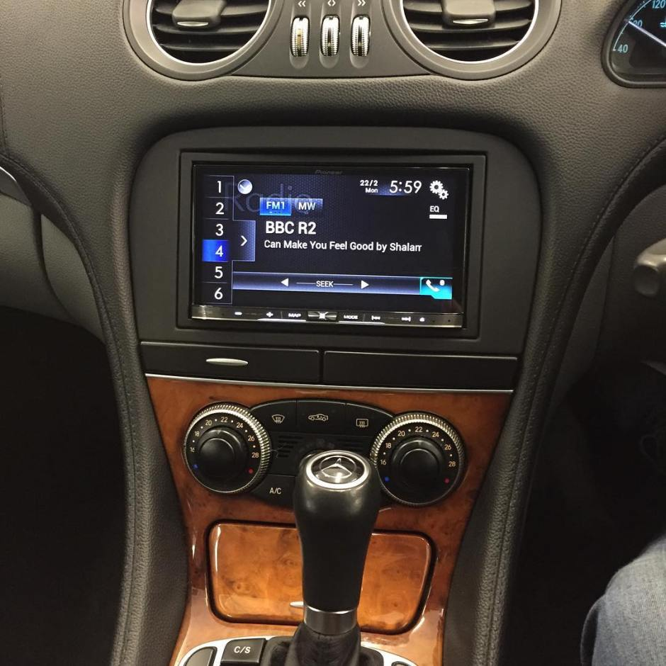 mercedes sl carplay