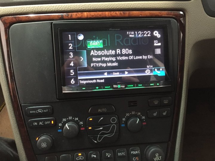 volvo c70 carplay install