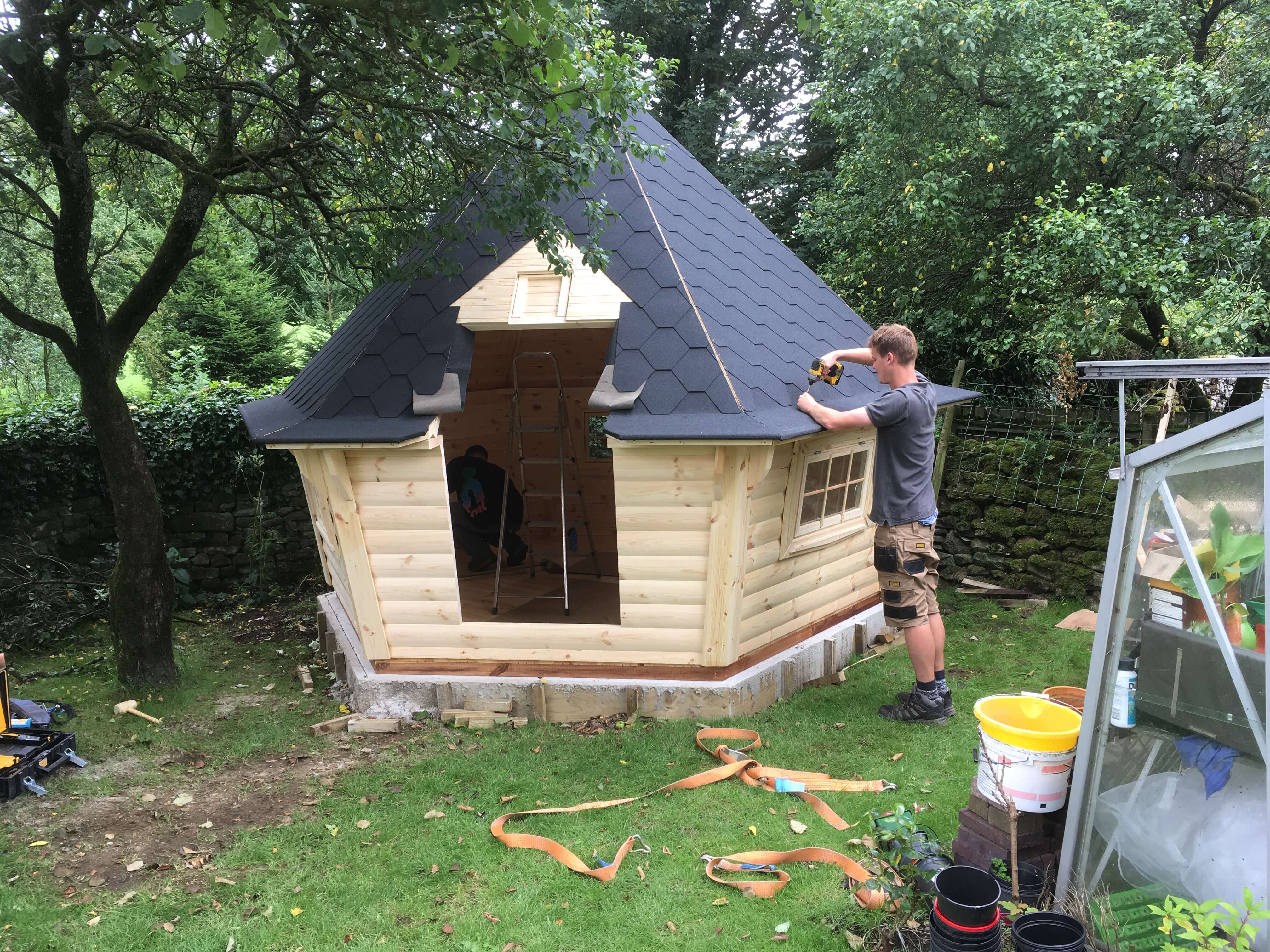 10m Sloping Wall Cabin with Oak Sleeper step