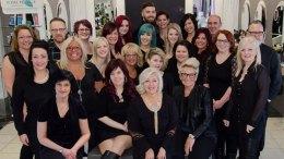 L'équipe du salon de coiffeur Cut In