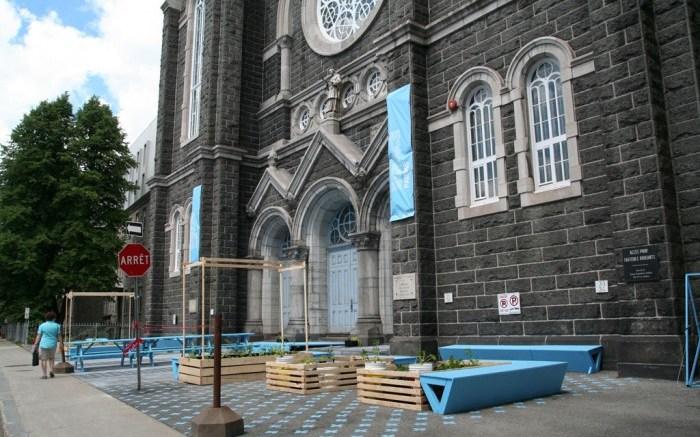 Parvis de l'église Saint-Charles