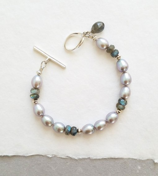 Gray pearl and labradorite bracelet in silver handmade by Carrie Whelan Designs