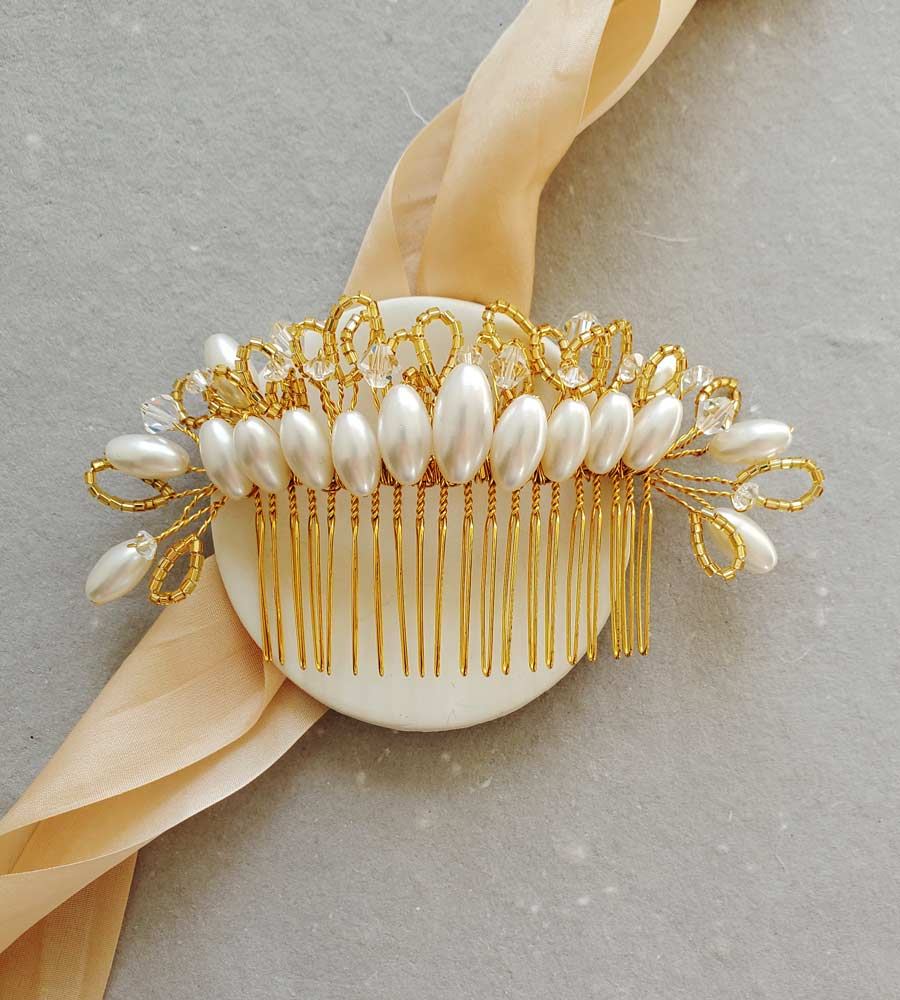 Unique pearl bridal hair comb handmade by Carrie Whelan Designs