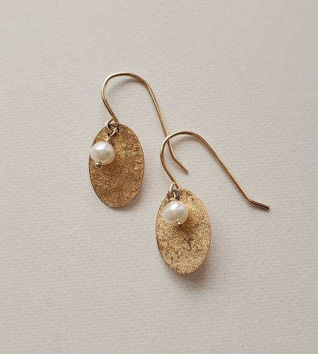 14kt gold fill oval and freshwater pearl earrings handcrafted by Carrie Whelan Designs