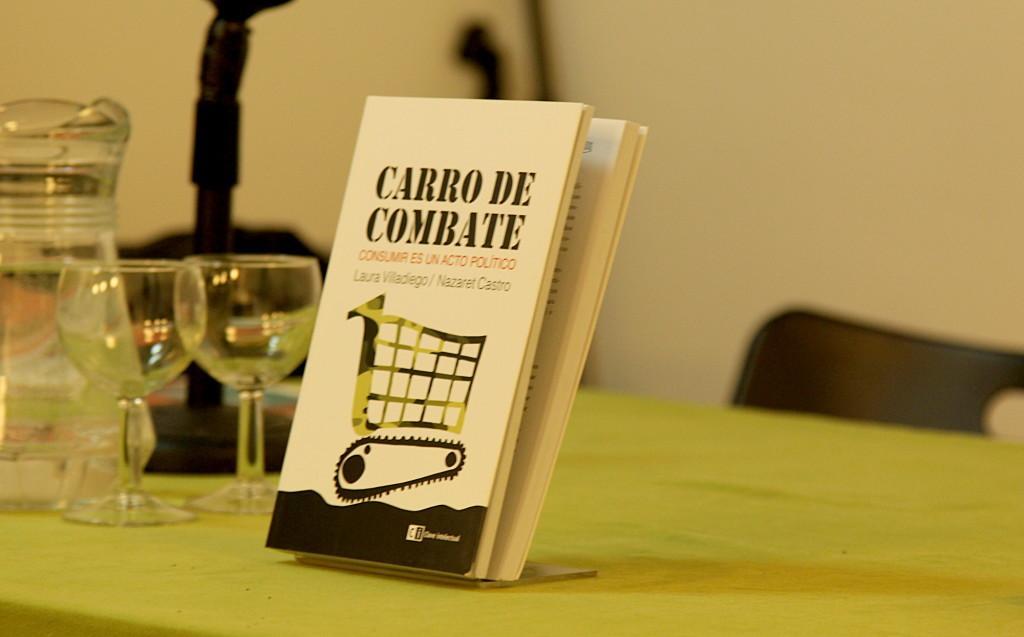 Libro sobre consumismo, y derechos sociales y ambientales.