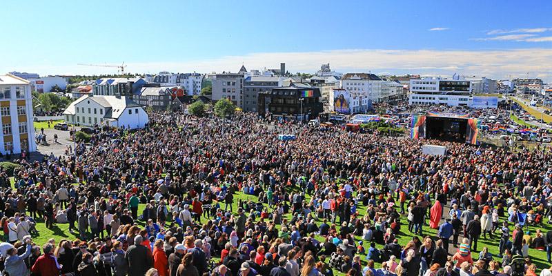 """La """"prima volta"""" degli asex al pride di Reykjavik"""