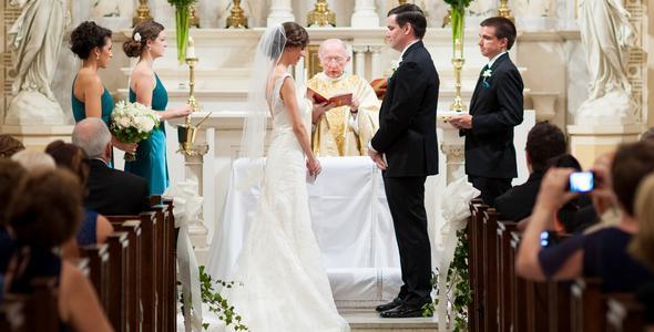 Esiste ancora l'obbligo matrimoniale?