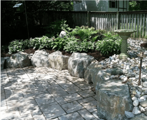 retaining wall hardscaping