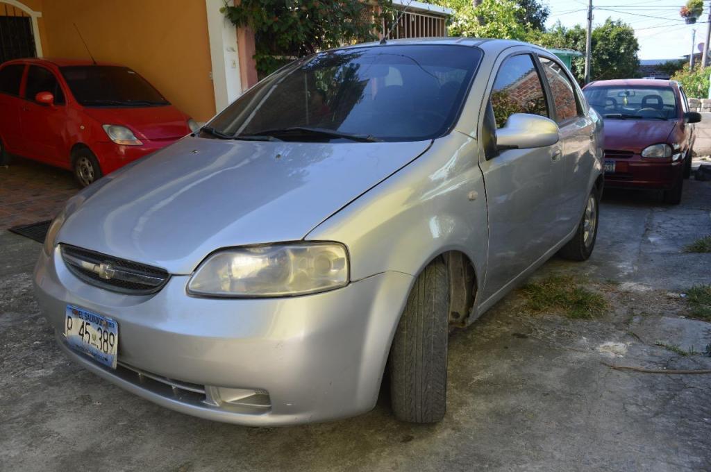 Se Vende Chevrolet Aveo Sedan 2005 Carros En Venta San Salvador El