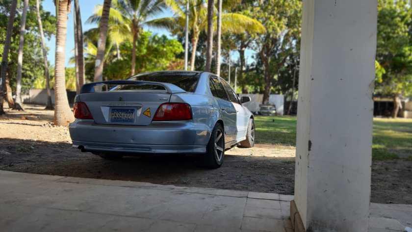 Mitsubishi-Galant-LS-2003 en venta