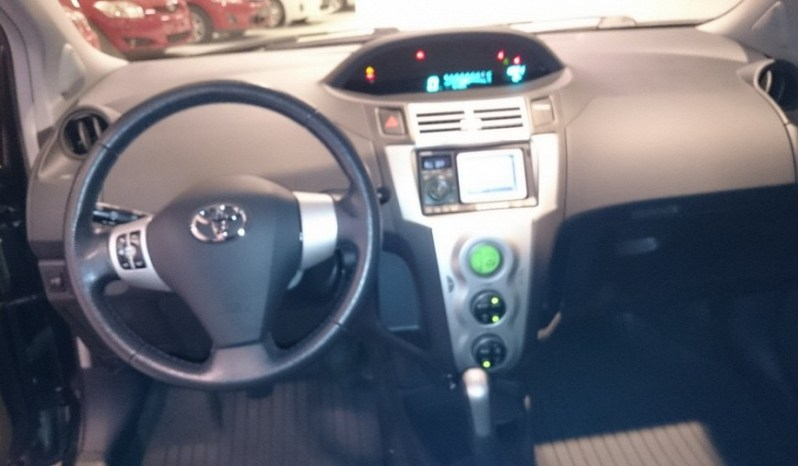 Toyota Yaris 2005 full