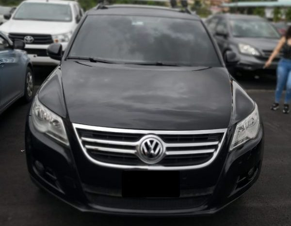 Volkswagen Tiguan 2012 full