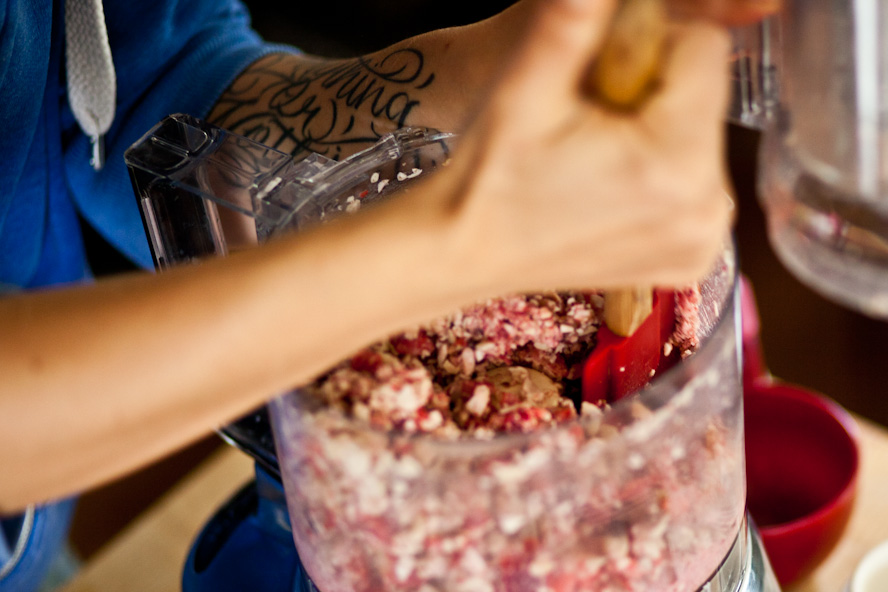 raw vegan strawberry cheesecake