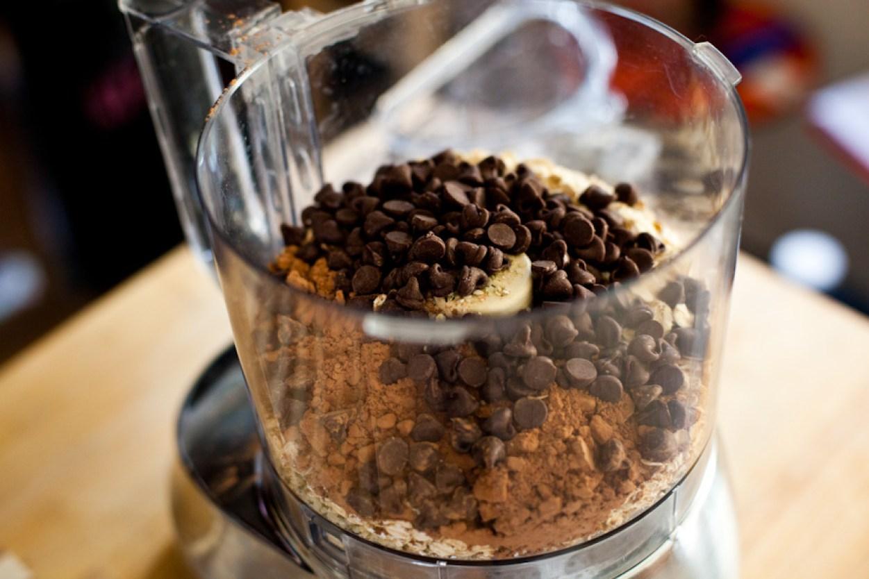 No-Bake Vegan Chocolate Peanut Butter Pie
