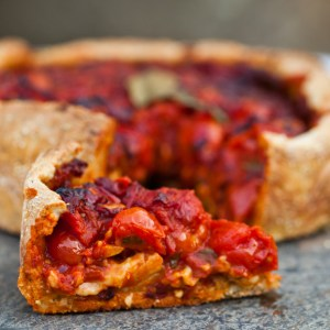 Vegan Chicago Style Deep Dish Pizza With Spicy Sauce