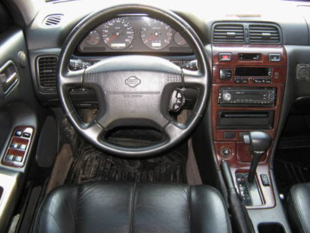 1998 Nissan Maxima Pictures