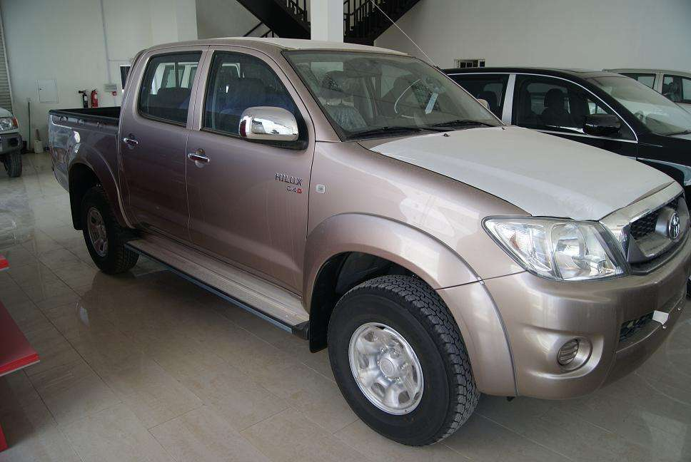Used 2010 Toyota Hilux PICK UP Photos 2500cc Diesel