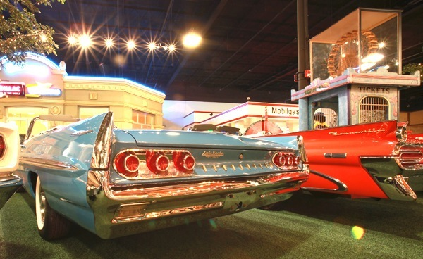 Past Collection - 1961 Pontiac Bonneville - Welcome to Cars