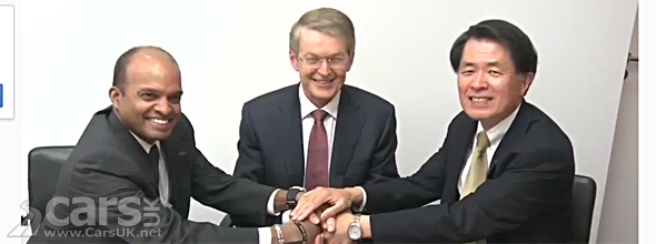 Photo of representatives of Daimler, Ford & Nissan Hydrogen Alliance