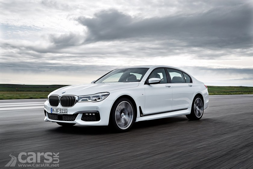 Front Side View White 2016 BMW 7 Series