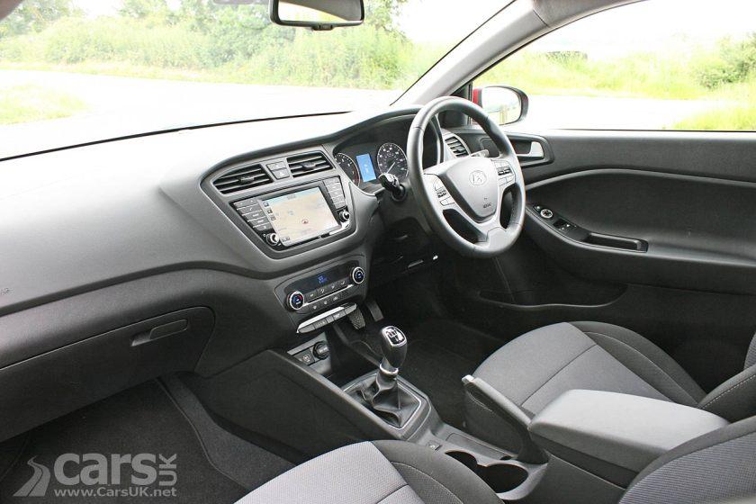 Photo 2016 Hyundai- 20-Coupe Sport Nav Interior