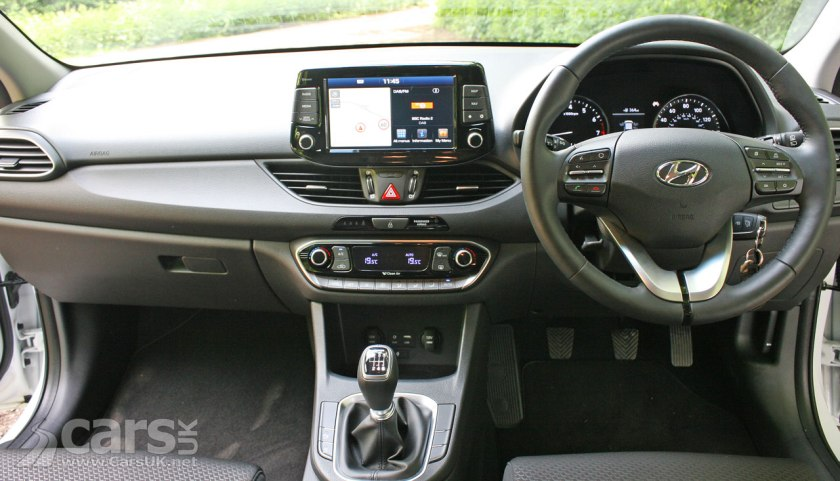 Photo of the interior of the 2017 Hyudnai i30 SE Nav