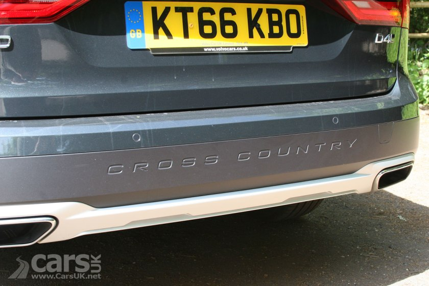 Photo V90 D4 Cross Country Rear View