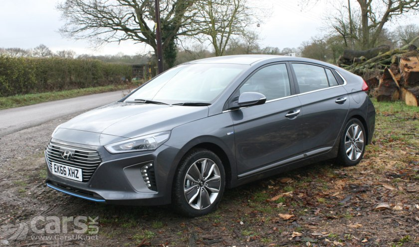 hyundai ioniq hybrid plug in and electric wins 39 best green technology 39 award for businesses. Black Bedroom Furniture Sets. Home Design Ideas